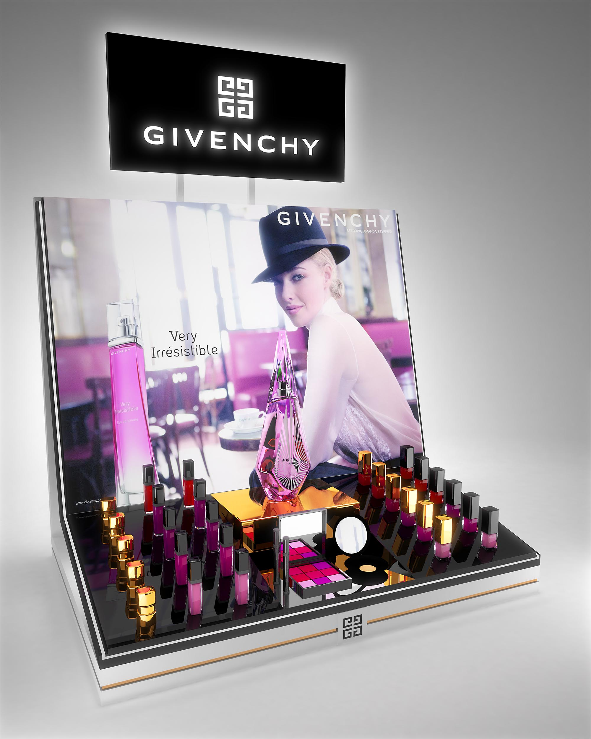 Givenchy_desk_web